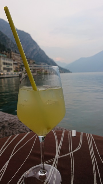 Limoncello in Limone am Gardasee